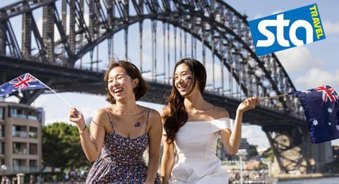 オーストラリアの日を祝う女性2016沿ってシドニー・ハーバー